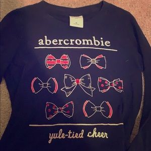 Abercrombie kids holiday long sleeved T-shirt